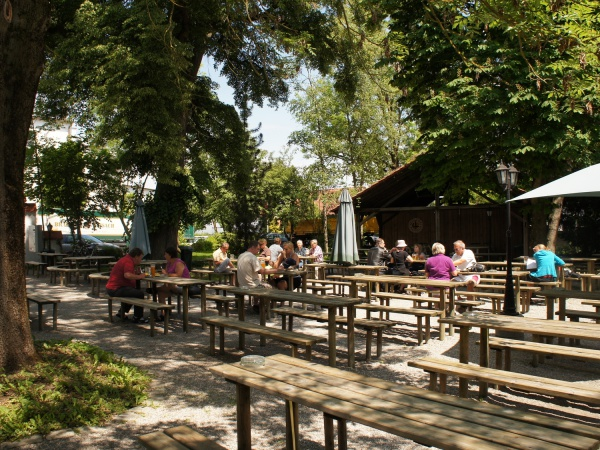 Raeuber-Kneissl-Garten 020.jpg