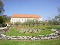 Schloss Dachau Biergarten 004.jpg