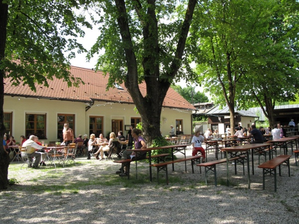 Waldwirtschaft Bienenheim 001.jpg